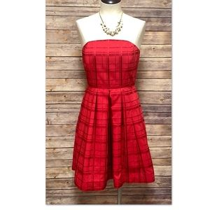 Vineyard Vines Red strapless dress size 2